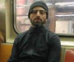 Сергей Брин рекламирует новый смартфон в метро